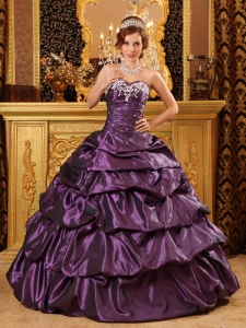 Fashionable Dark Purple Quinceanera Dress Sweetheart Taffeta Appliques Ball Gown