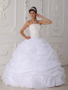 Gorgeous White Quinceanera Dress Strapless Floor-length Organza Lace Ball Gown