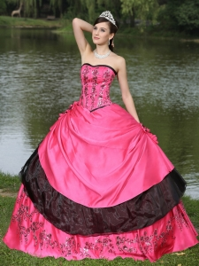 Hot Pink For 2015 Quinceanera Dress Hand Made Flowers With Emdroidery