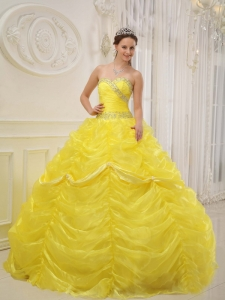 Pretty Yellow Sweet 16 Dress Sweetheart Organza Beading Ball Gown