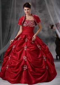 Wine Red Ball Gown Strapless Floor-length Taffeta Appliques Quinceanera Dress