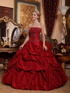 Beautiful Wine Red Quinceanera Dress Strapless Taffeta Beading Ball Gown