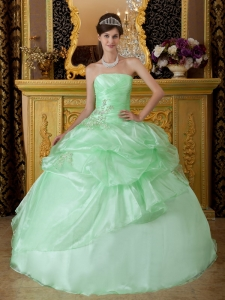 Luxurious Apple Green Sweet 16 Dress Strapless Organza Beading Ruch Ball Gown