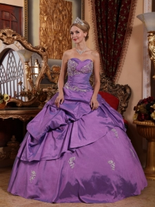 Brand New Lavender Sweet 16 Dress Sweetheart Taffeta Appliques Ball Gown