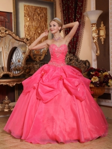 Popular Coral Red Quinceanera Dress Sweetheart Taffeta and Organza Appliques Ball Gown