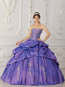 Elegant Purple Quinceanera Dress Strapless Taffeta Embroidery and Beading Ball Gown