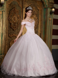 Modest Baby Pink Quinceanera Dress Off The Shoulder Appliques Organza Ball Gown