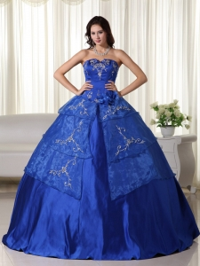 Royal Ball Gown Strapless Floor-length Organza Embroidery Quinceanera Dress