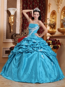 Low Price Aqua Blue Quinceanera Dress Strapless Taffeta Appliques Ball Gown