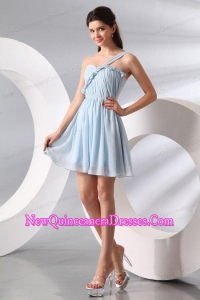 Cute Light Blue One Shoulder Ruching Mini-lengthDama Dress for Quinceanera