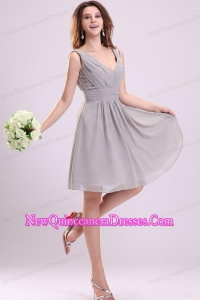 Empire Gray V-neck Ruching Chiffon Knee-length Dama Dress for Quinceanera