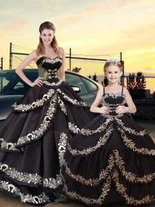 Best Sweetheart Sleeveless Sweet 16 Dress Floor Length Embroidery and Ruffled Layers Black Taffeta