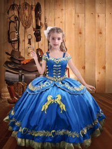 Simple Blue Straps Neckline Beading and Embroidery Girls Pageant Dresses Sleeveless Lace Up