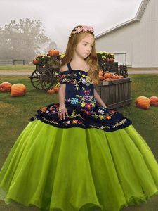 Sleeveless Lace Up Floor Length Embroidery Girls Pageant Dresses