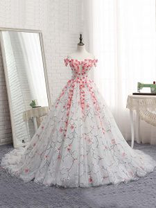 Decent White Sleeveless Appliques Lace Up Quinceanera Gown