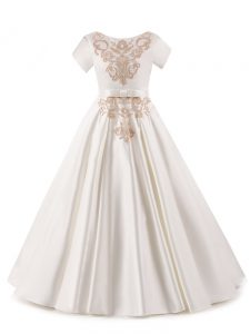 Trendy White Short Sleeves Satin Zipper Little Girl Pageant Dress for Wedding Party